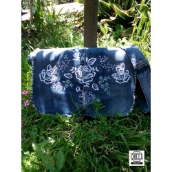 Roses Messenger Bag